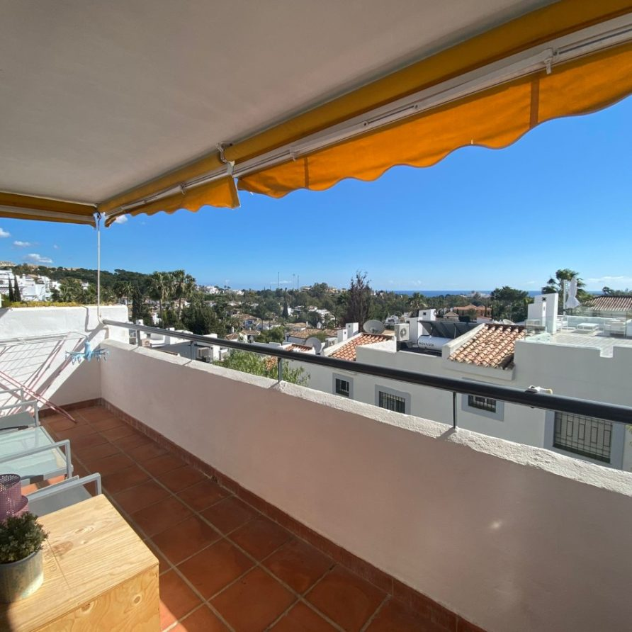 12 – Apartment for Rent in Nueva Andalucía