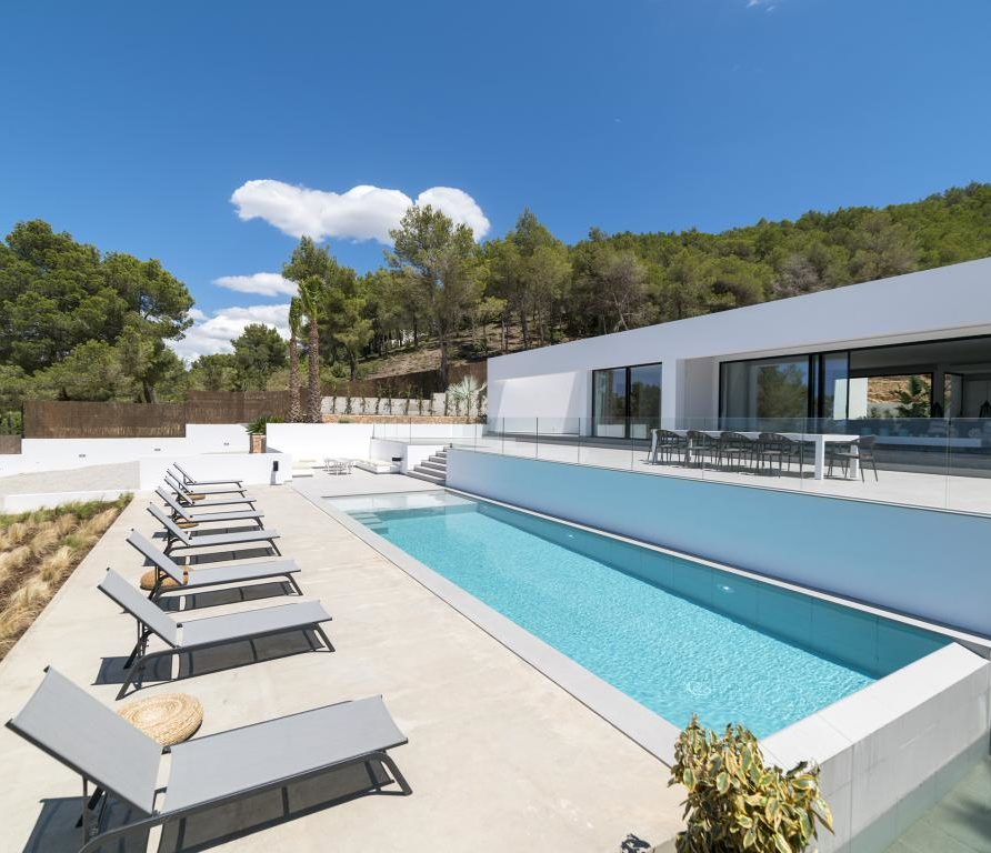 10 – Luxury Villa for Holiday Rent in Ibiza