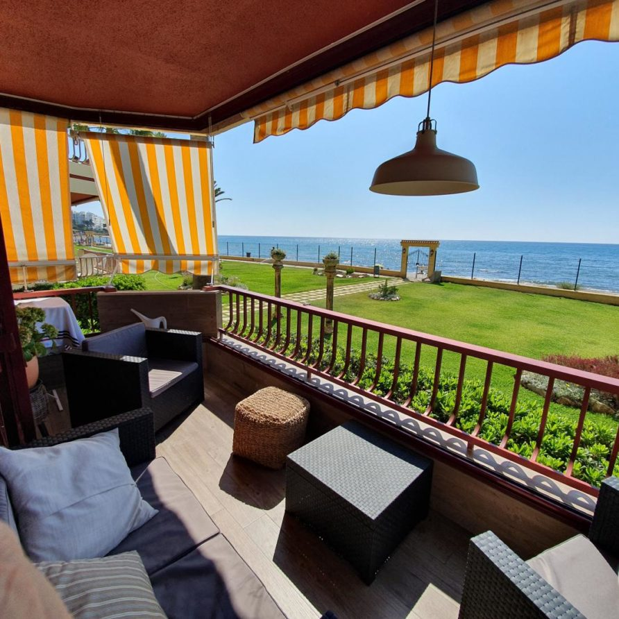 25 – Beachfront Apartment for Rent in Riviera del Sol