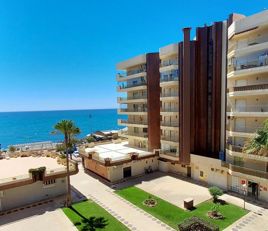 09 - Apartment For Holiday Rent in Paseo Marítimo Fuengirola - Spain